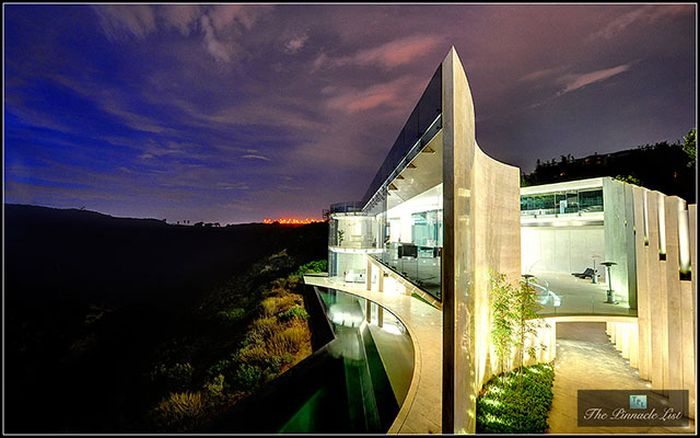 You Can Own The House From Iron Man (40 pics)