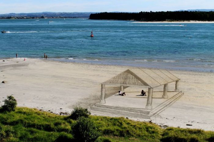 Amazing 3D Art At The Beach (34 pics)
