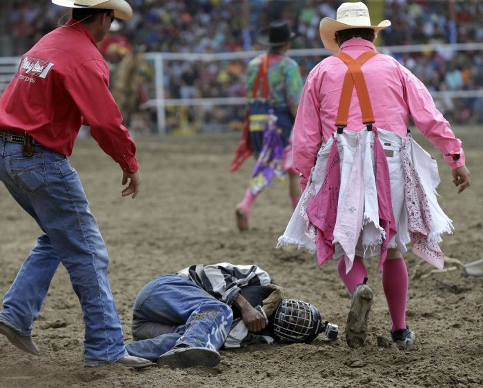 Extreme Action Shots From The Rodeo (20 pics)