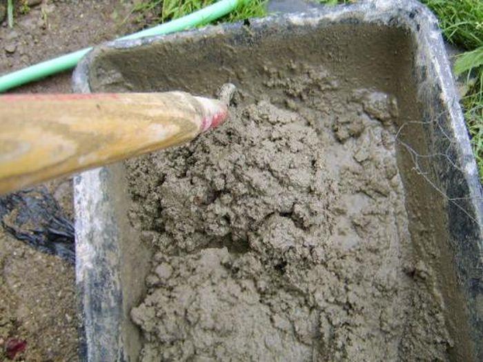 The Easiest Way To Build A Concrete Birdbath (14 pics)