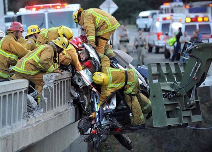Some Of The Bravest Firefighters You'll Ever See (24 pics)