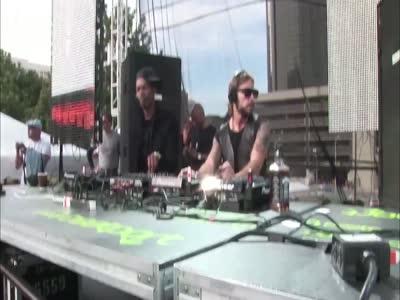 DJs Having Fun During The Concert