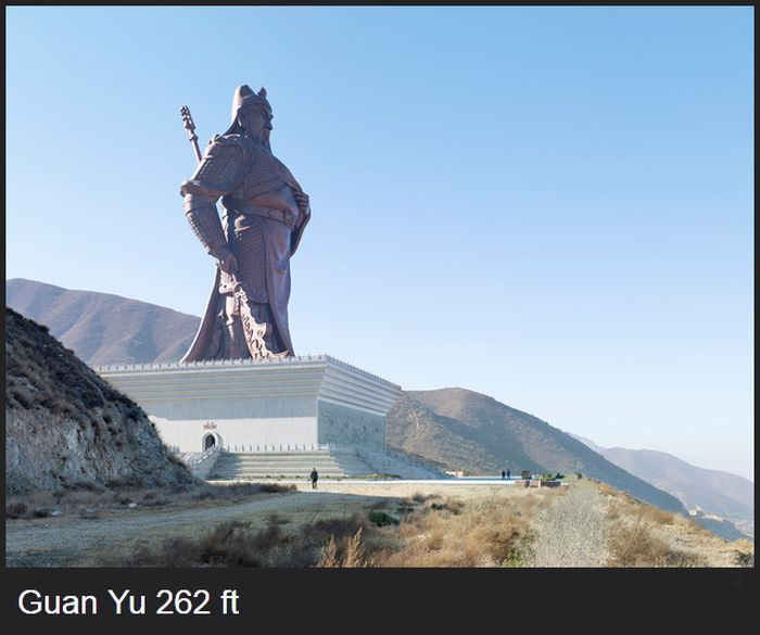 A Magnificent Collection Of The World's Largest Statues (19 pics)