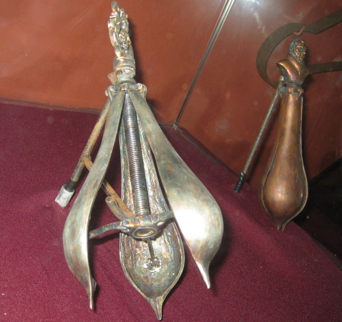 Medieval Torture Devices You Never Want To Encounter (21 pics)