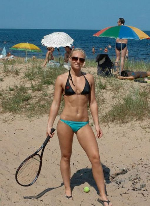 Nothing Says Sex Appeal Like An Athletic Woman (45 pics)