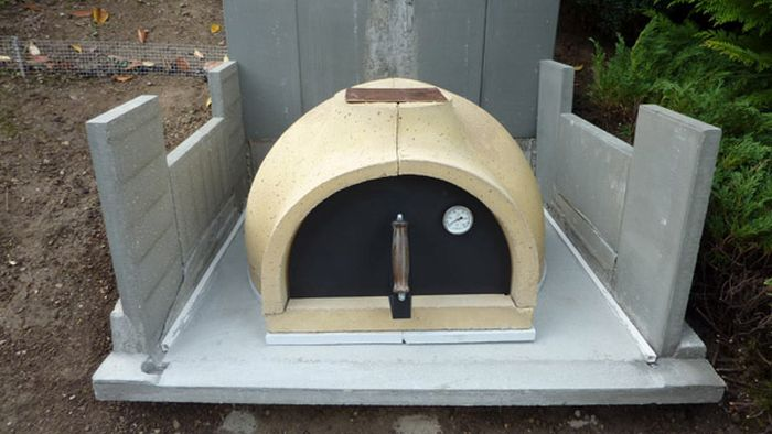 This Homemade Brick Oven Makes Awesome Pizza (33 pics)