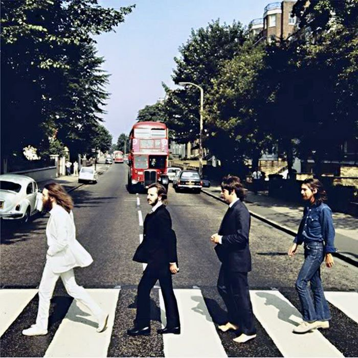 Behind The Scenes Of The Beatles At Abbey Road (13 pics)