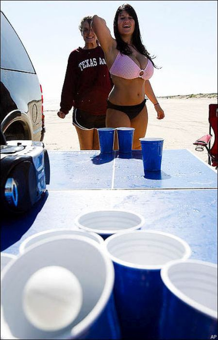 Boobs And Beer Pong Are A Great Combination (53 pics)