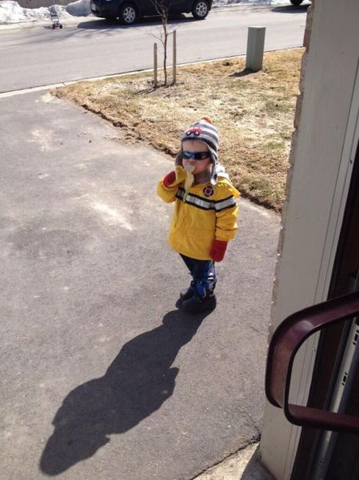 Boy Eating a Banana Is The Newest Meme Sensation (28 pics)