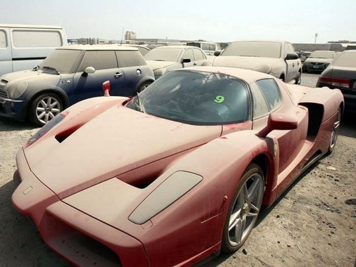 Would You Abandon These Cars? (4 pics)