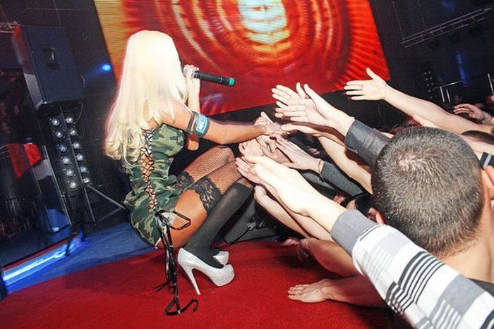 Katya Sambuca And Her Red Hot Live Show (24 pics)