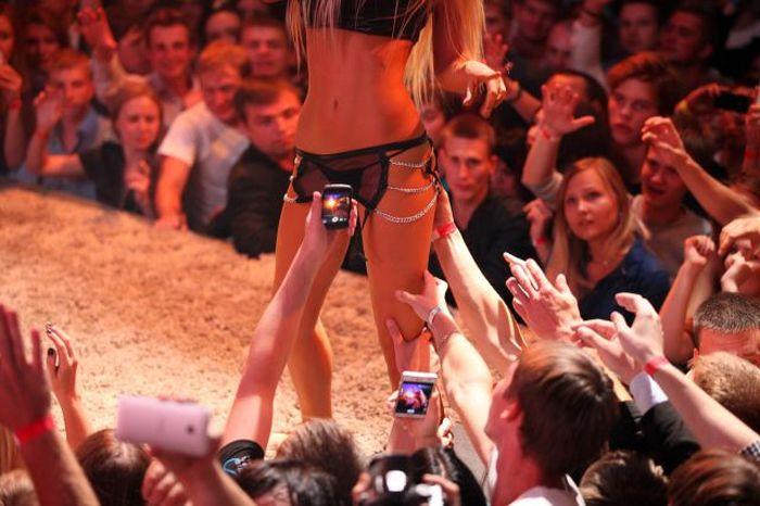Katya Sambuca And Her Red Hot Live Show 24 Pics-4029