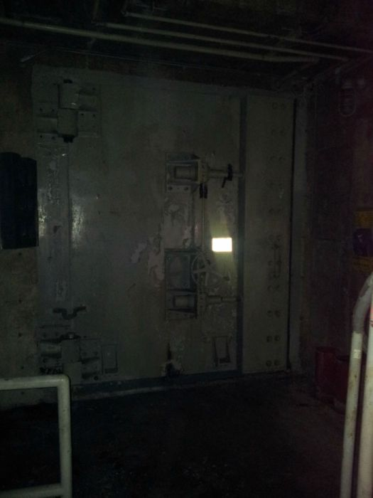 See The Inside Of A Cold War Bunker (20 pics)