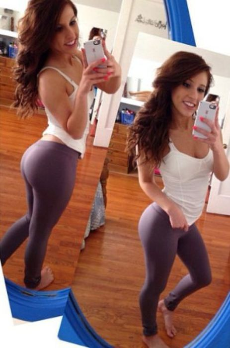 Yoga Pants Are Very Revealing, That's A Good Thing (40 pics)