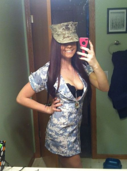 Military Uniforms Have Never Looked So Good (27 pics)