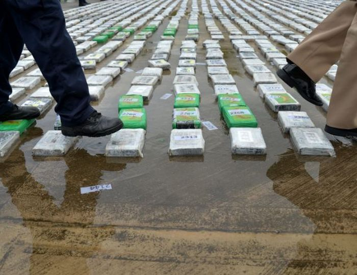 That's A Lot Of Cocaine (8 pics)