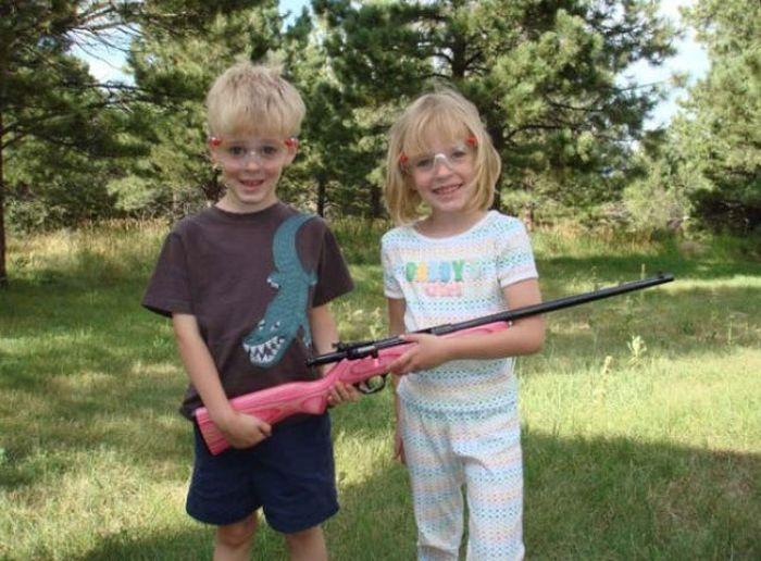 American Kids Love Their Guns (39 pics)