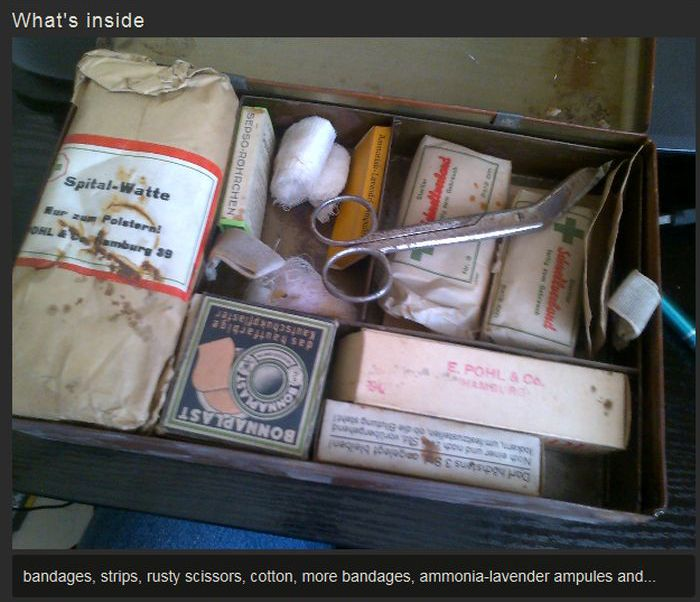 German Medical Kit Hidden In The Attic (6 pics)