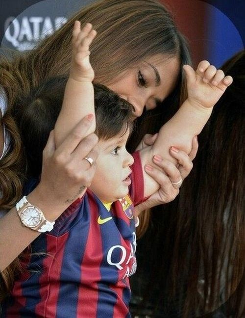 Antonella Roccuzzo Is Living The Life (26 pics)