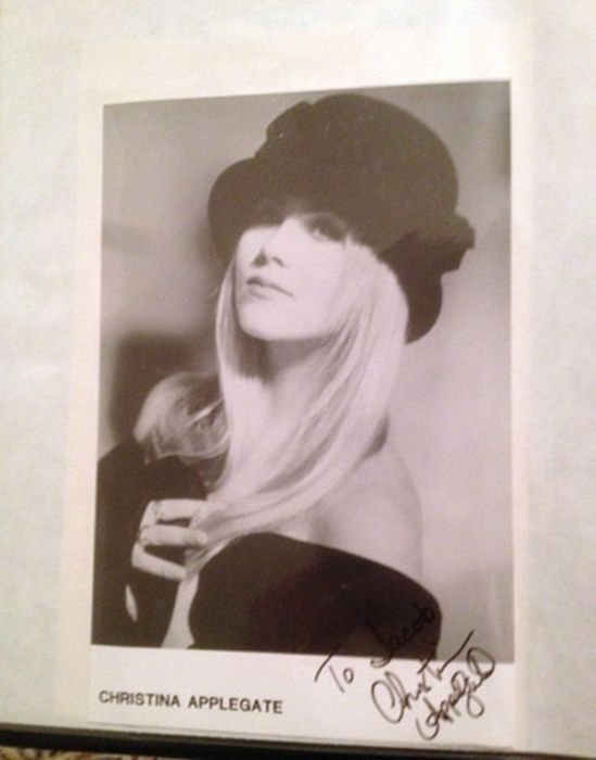 50 Autographs From 50 Iconic Celebrities (51 pics)