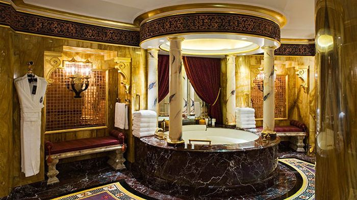 It Costs $24,000 A Night To Stay In This Suite (19 pics)
