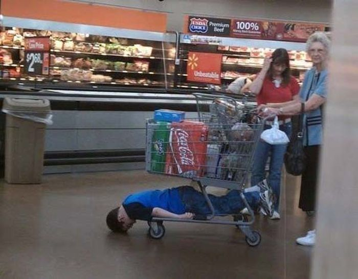 These Kids Have No Interest In Shopping (23 pics)