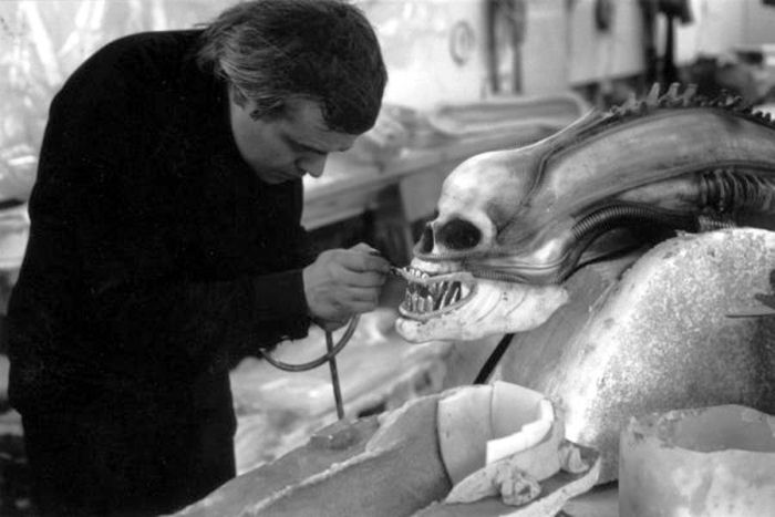 Behind The Scenes Of Special FX (16 pics)