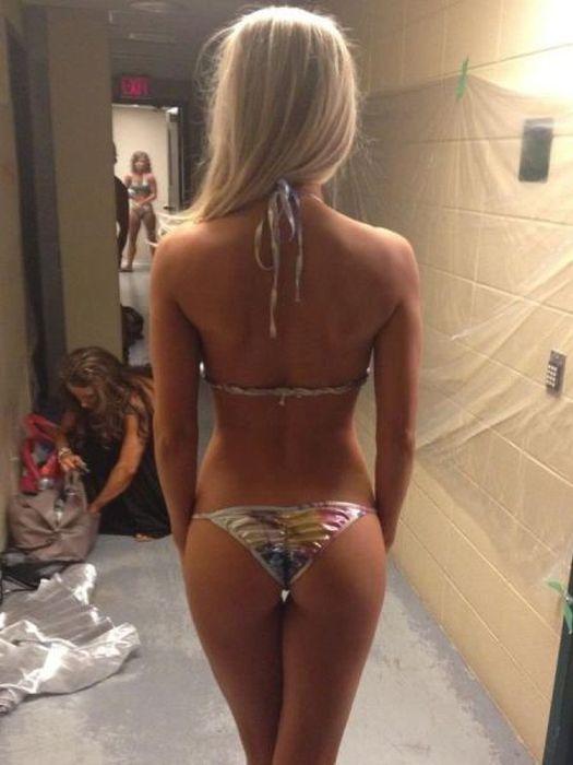 The Best Bums You're Going To See Today (68 pics)