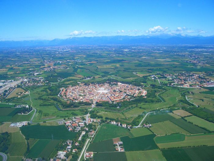 Palmanova Is The World's Ideal Walled City (15 pics)