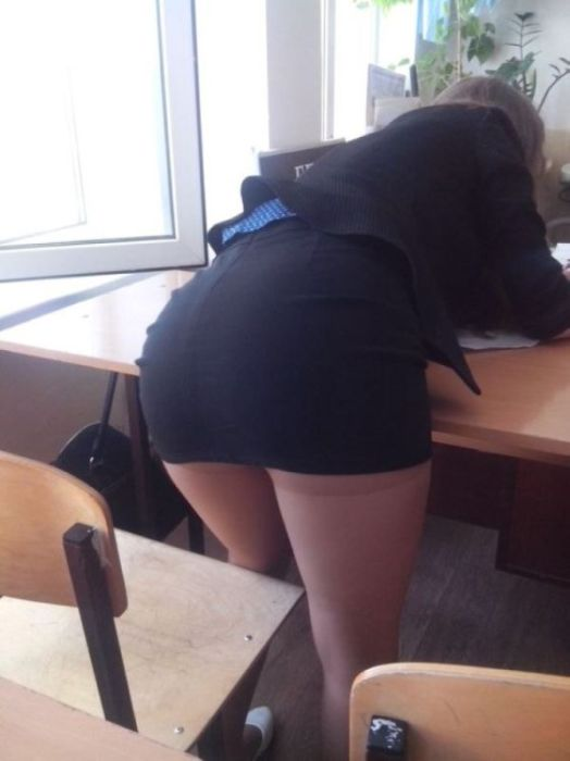 Russian School Girls And Their Nice Rears 18 Pics-9811