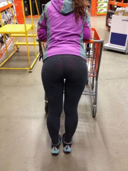 Do Women Wear Panties With Yoga Pants