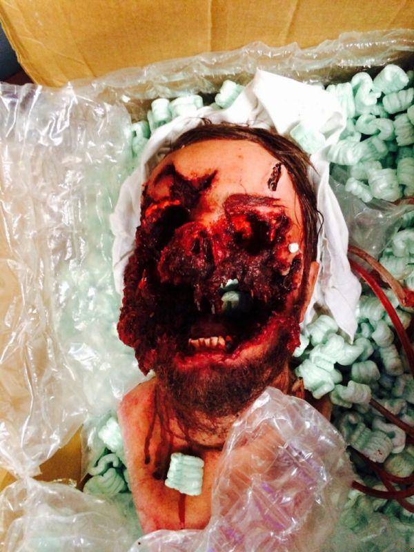 Creepy Head From Elysium (4 pics)