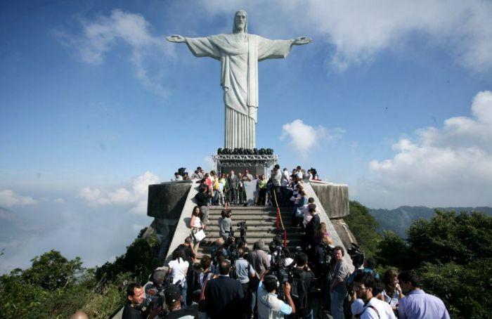 The World's Highest Selfie (4 pics)