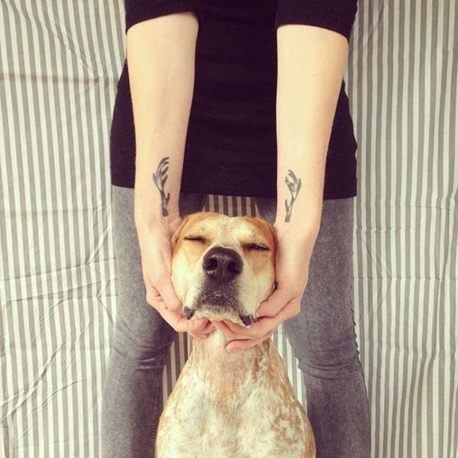 Perfectly Placed Tattoos (21 pics)