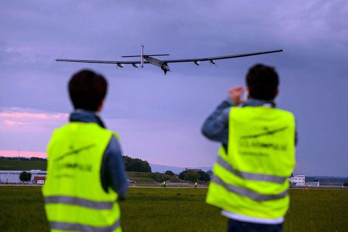 Amazing Solar Powered Plane (13 pics)