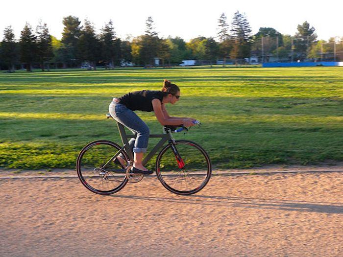 Husband Builds Wife Championship Winning Custom Bike (39 pics)