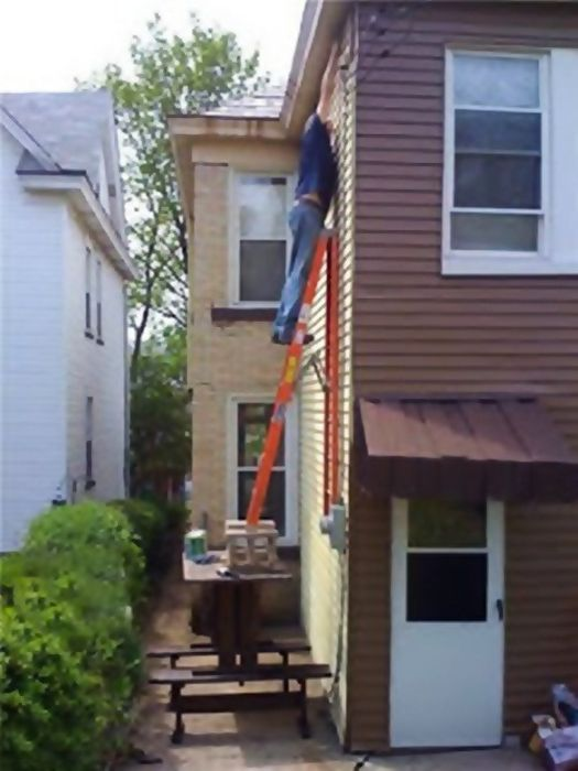 These People Definitely Deserve A Darwin Award (43 pics)