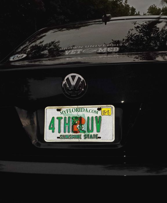 The Coolest Custom License Plates Ever (46 pics)
