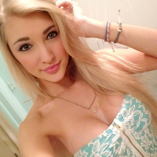 If Elsa From Frozen Was Real And Super Hot (24 pics)