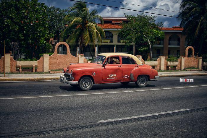 Classic Cars In Cuba (50 pics)