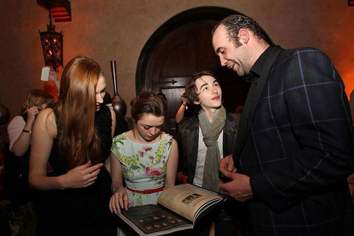 The Game Of Thrones Cast Out On The Town (38 pics)