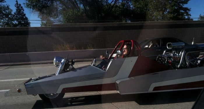 The Strangest Things You Will See On The Road (71 pics)