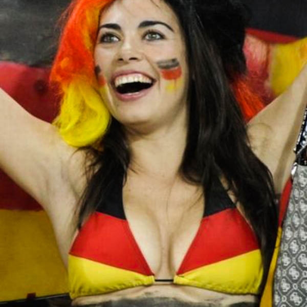 The Hottest Women At The Past World Cups (54 pics)