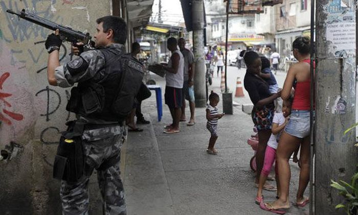 Welcome To Brazil, It's Weird Here (55 pics)