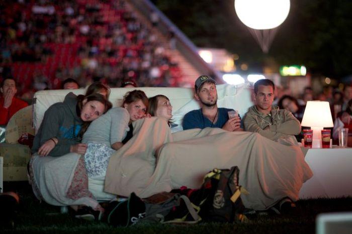 Alten Foersterei Stadium Turned Into A Movie Theater (6 pics)