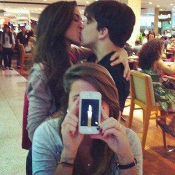 Being The Third Wheel Is Awkward (37 pics)