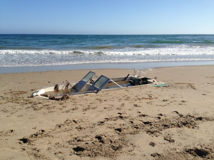 You Won't Believe This Boat Was Buried On The Beach (5 pics)