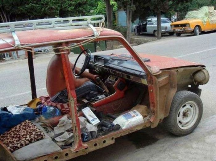 The Coolest Random Car Photos (53 pics)