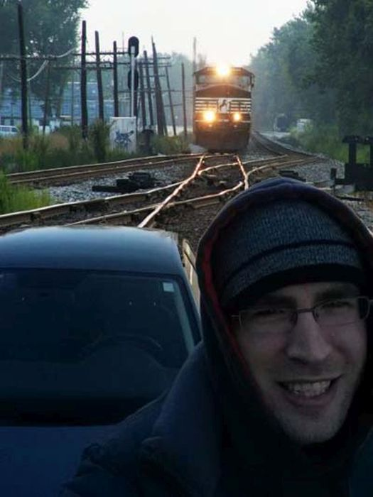 This Is Definitely The Wrong Time For A Selfie (16 pics)
