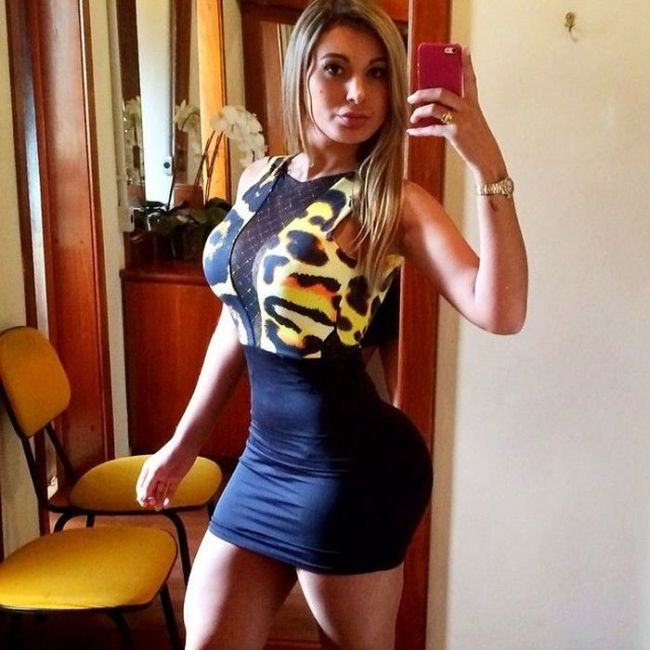 Photos of Andressa Urach, Part Time Reporter, Full Time Hottie (35 pics)